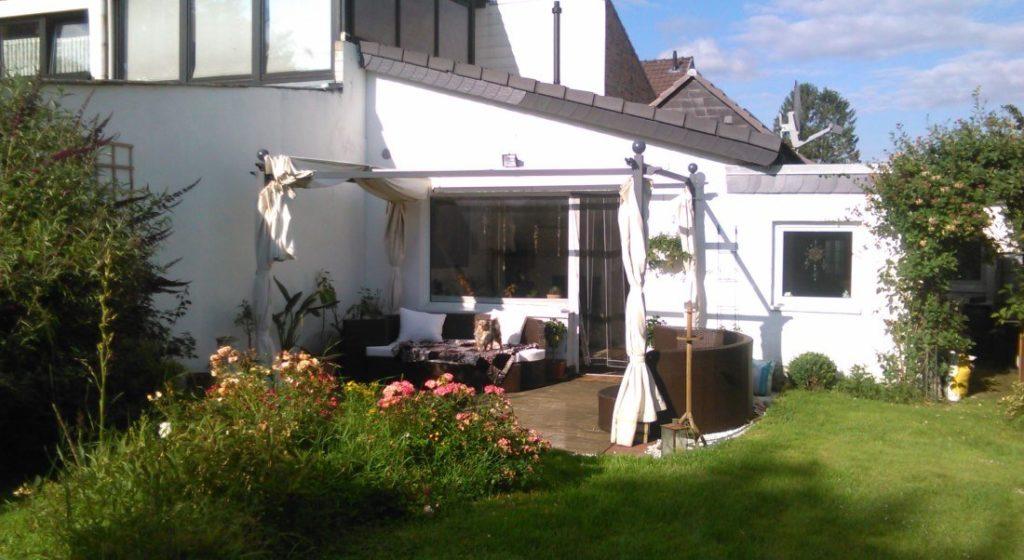 Terrassenbau und Rasenpflege